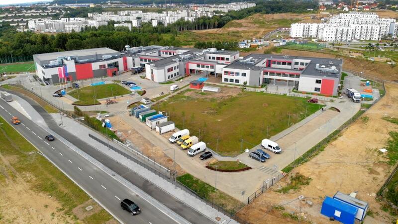 Szkoła przy ul. Lawendowe Wzgórze w poniedziałek, 2 września, przyjmie ponad 780 uczniów