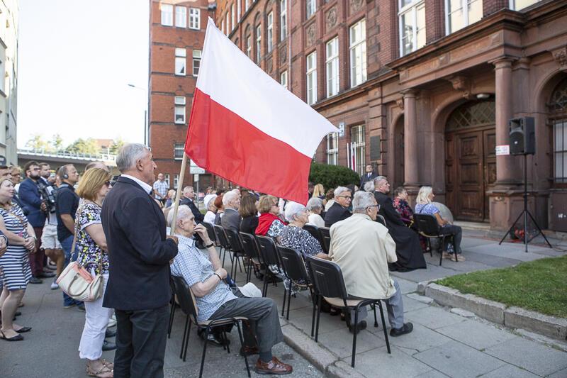 1 września 2019 r. Uroczystości na ul. Kładki 24. W budynku dawnej Victoriaschule mieścił się obóz przejściowy dla Polaków z Gdańska