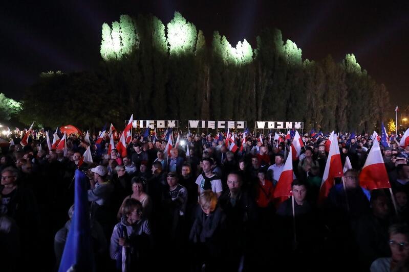 Uroczystości 80. rocznicy wybuchu II wojny światowej. Na Westerplatte zebrały się tłumy