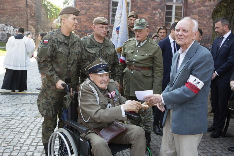 1 września odprawiono mszę świętą u stóp Pomnika Obrońców Poczty Polskiej. Wzięli w niej udział m.in. kombatanci