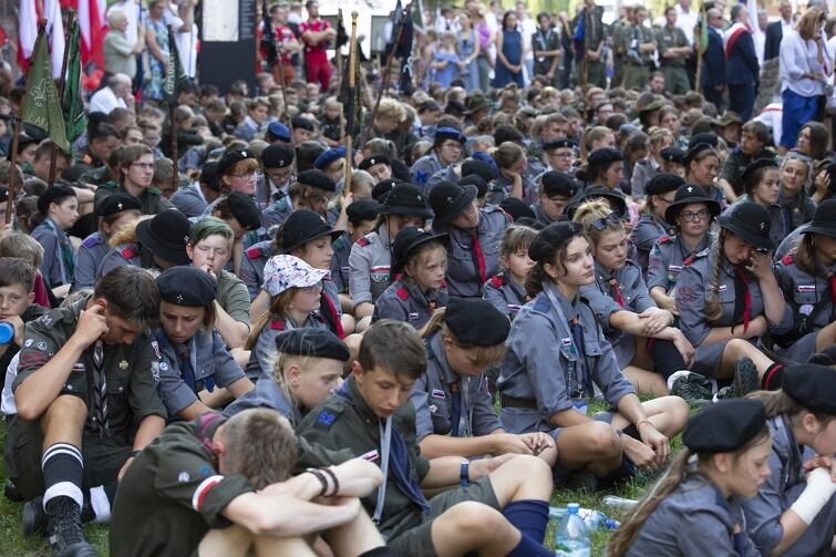 We mszy celebrowanej w rocznicę bohaterskiej obrony Poczty Polskiej w Gdańsku uczestniczyło też kilkuset harcerzy z różnych zakątków Polski