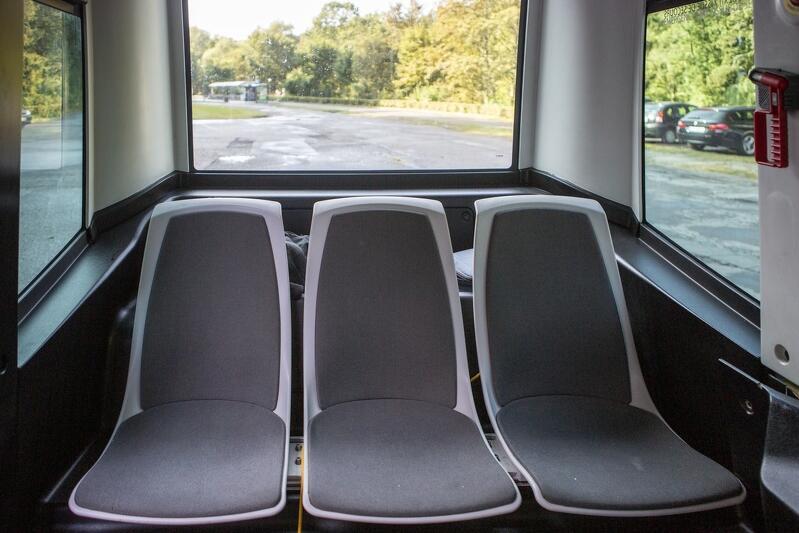 Bus pomieści 12 osób (włącznie z operatorem pojazdu)