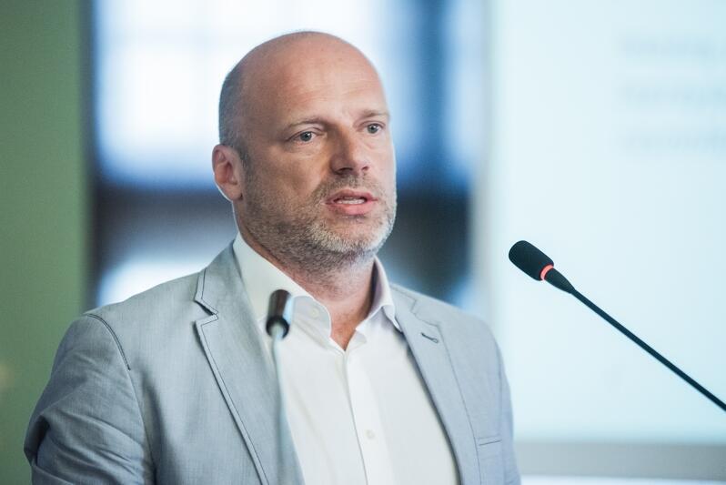 Paweł Orłowski podczas XIII sesji Rady Miasta Gdańska, 29 sierpnia 2019 r., Nowy Ratusz