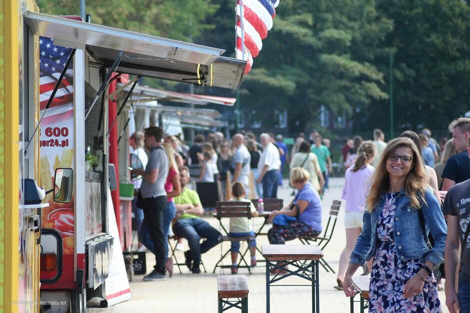Festiwal Smaków Food Trucków zawita na Dolne Miasto. Do skosztowania dania z całego świata