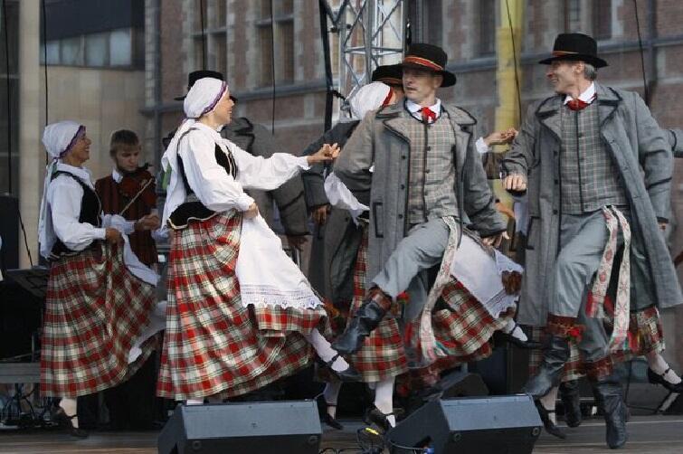 Podczas festiwalu spotkamy m.in. tradycyjne, litewskie zespoły