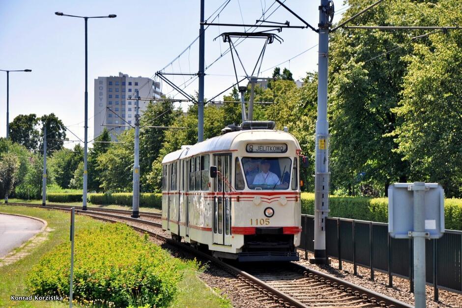 Historyczny tramwaj będzie kursował jeszcze do połowy września.
