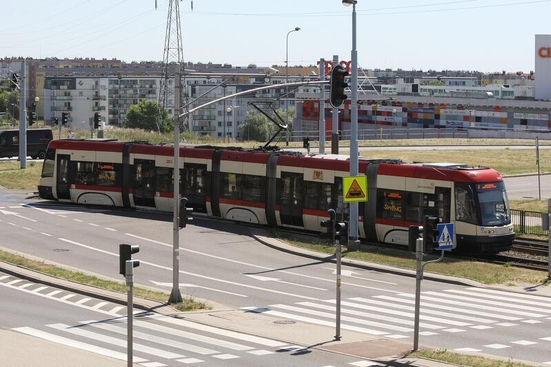 Chełm, skrzyżowanie ulic: Sikorskiego, Witosa i Cienistej. Od kilku lat prowadzi tu linia tramwajowa