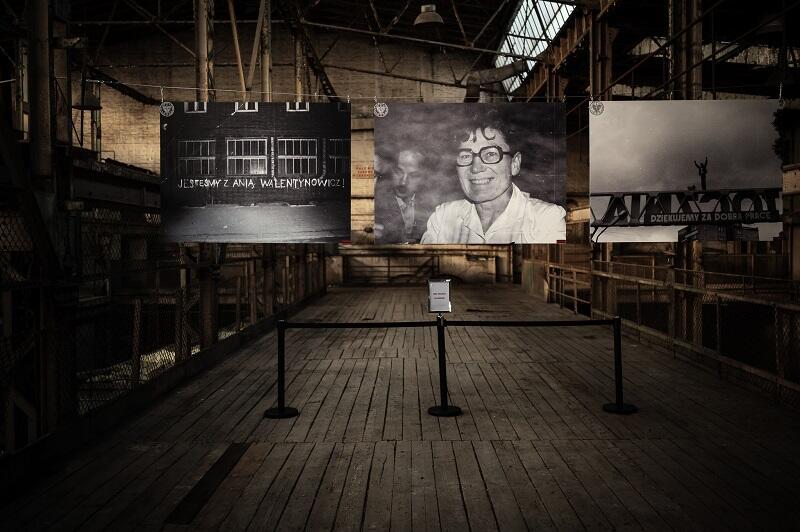 Fragment wystawy o Annie Walentynowicz w budynku 42A w Stoczni Cesarskiej
