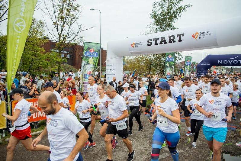 W tegorocznej edycji Gdańsk Business Run wystartowało 2 tys. biegaczy w 400 drużynach. Listy startowe wypełniły się na kilka tygodni przed wydarzeniem