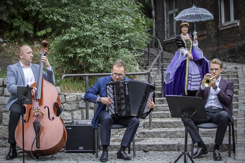 Koncert zespołu Zagan Acoustic podczas II Święta Ulicy Biskupiej w Gdańsku, 8 września 2019r.