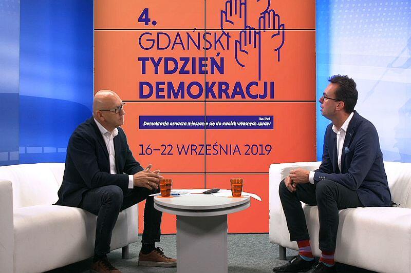 Wszystkie Strony Miasta. Rozmowa o Gdańskim Tygodniu Demokracji. Nz. od prawej Jacek Kołtan, wicedyrektor ECS i prowadzący Marek Wałuszko