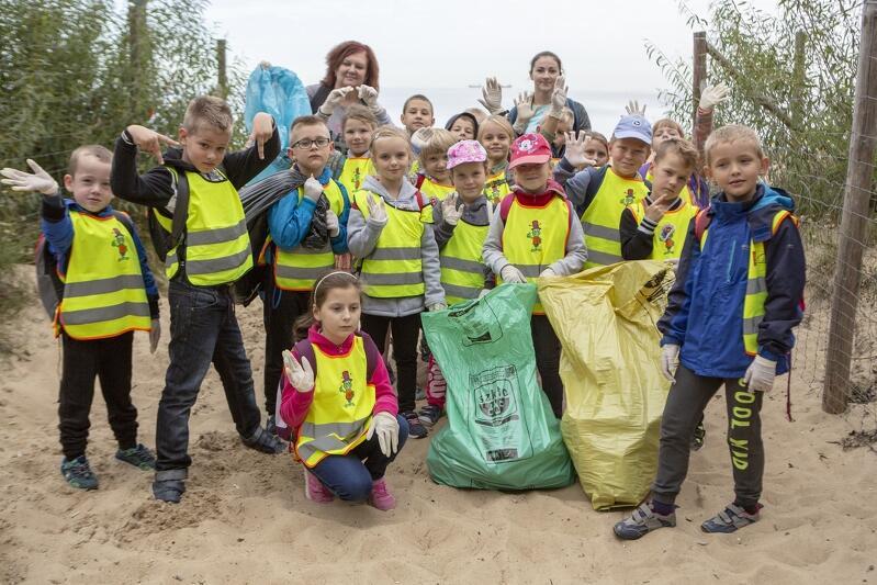 Już w najbliższy piątek, 20 września, mieszkańcy Gdańska będą sprzątać plaże i pas nadmorski. Każda para rąk jest na wagę złota! Czy dzieci mogą sprzątać? Mogą - i to jak! Pożytecznej pracy towarzyszy kształtowanie postaw proekologicznych