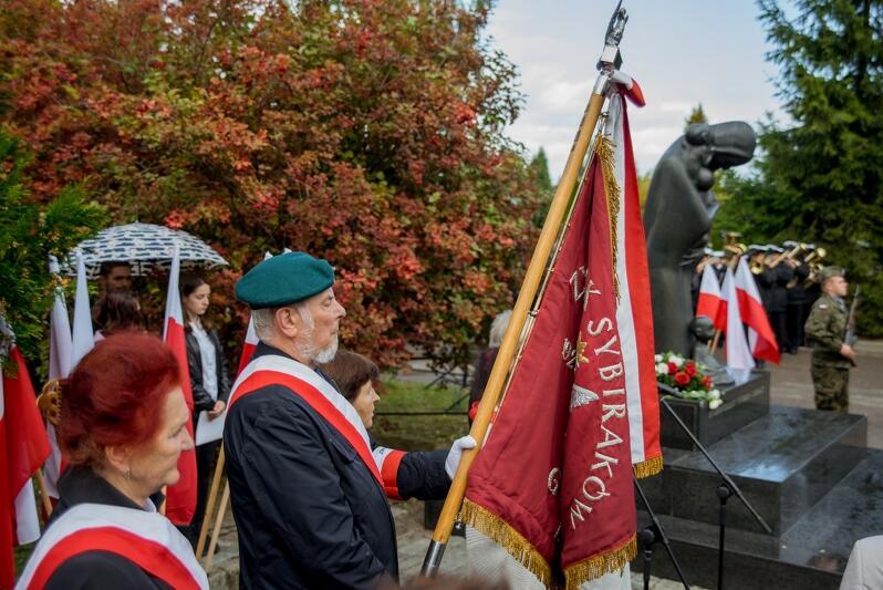 17 września obchodzony jest Dzień Sybiraka. W Gdańsku odbyły się oficjalne uroczystości na Cmentarzu Łostowickim, u stóp pomnika Golgota Wschodu