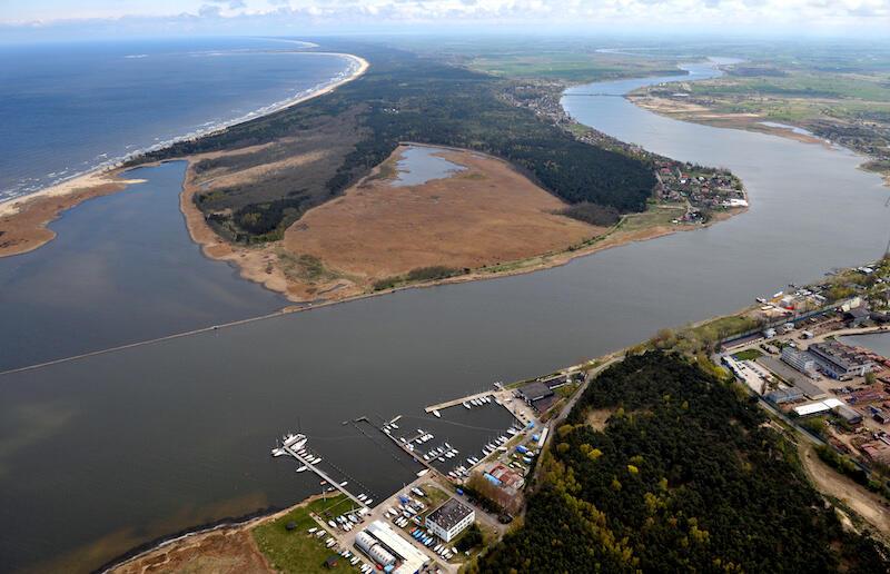 Dni Morza organizowane są przez Chorągiew Gdańską ZHP i Miasto Gdańsk w ramach Programu Społecznego Rozwoju Wyspy Sobieszewskiej