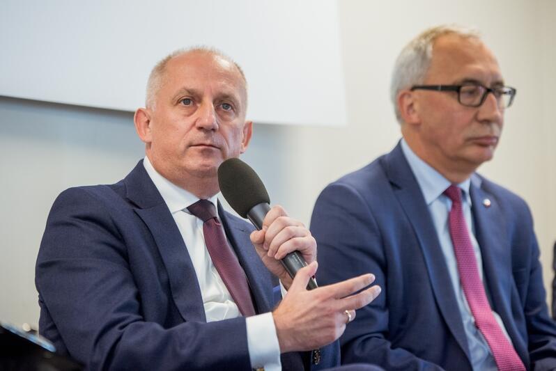 Na pytanie odpowiada Sławomir Neumann - Koalicyjny KW Koalicja Obywatelska - PO, Nowoczesna, Inicjatywa Polska, Zieloni