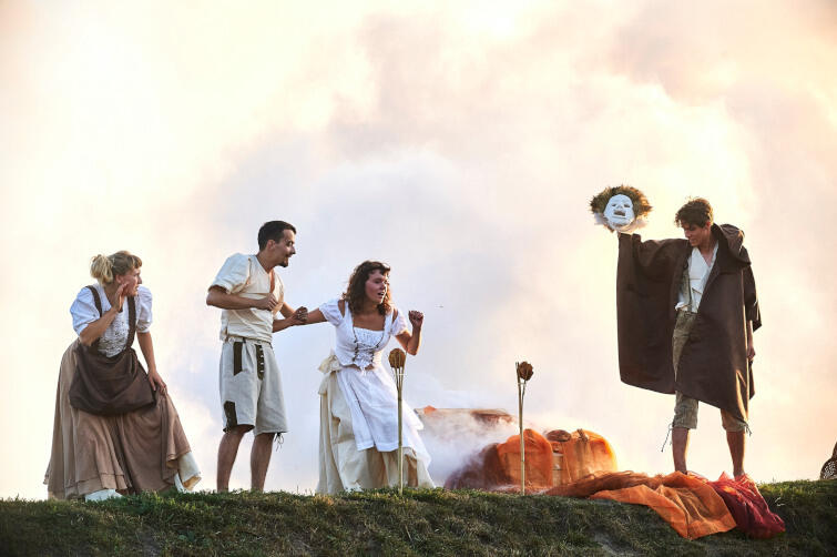 """""""Legenda Góry Gradowej"""" to spektakl pantomimy w plenerach wznoszącego się nad Gdańskiem wzgórza"""
