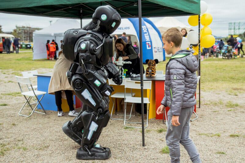 Na przybyłych czekała moc atrakcji, m.in. spotkanie z... robotem!