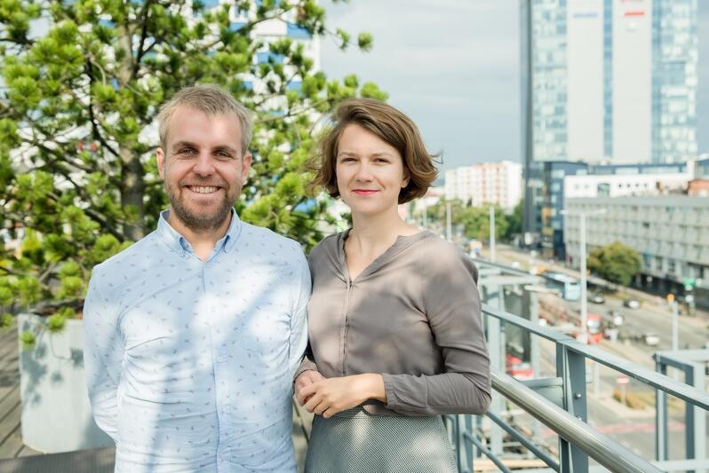 Jakub Knera i Natalia Koralewska z Fundacji Palma na tarasie restauracji 4. piętro wrzeszczańskiego Manhattanu