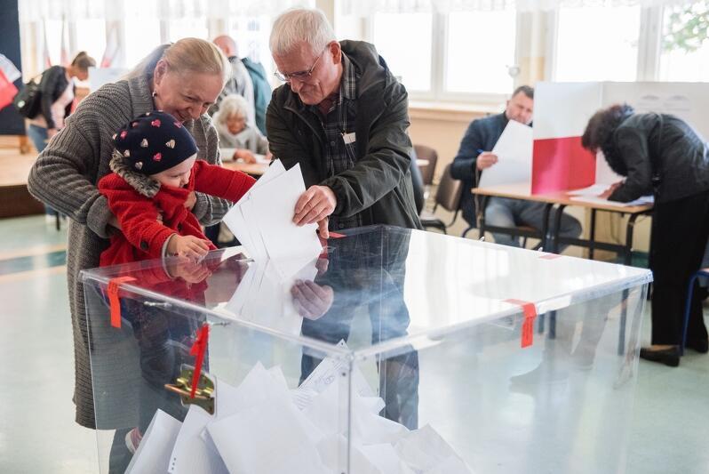 W niedzielę 13 października 2019 r. obywatele Polski wybiorą posłów i senatorów