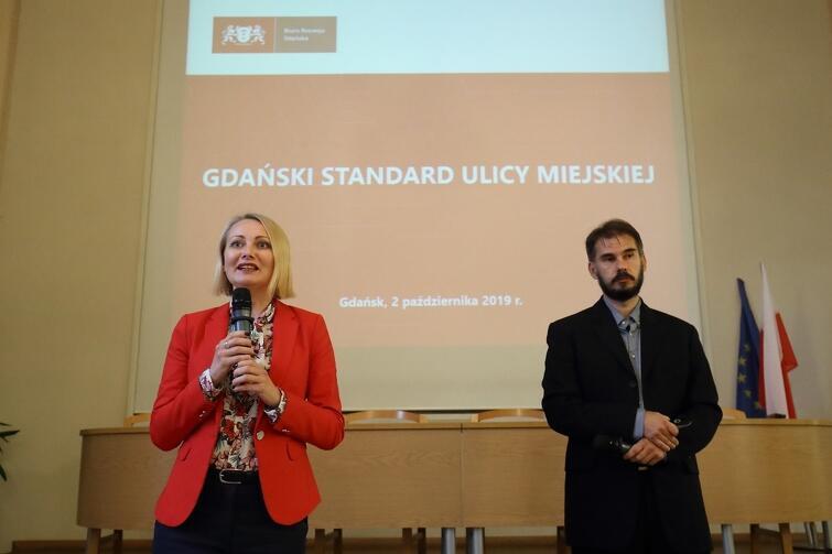 Oficjalna prezentacja dokumentu miała miejsce 2 października. Na zdjęciu: Edyta Damszel-Turek i Adam Rodziewicz z Biura Rozwoju Gdańska