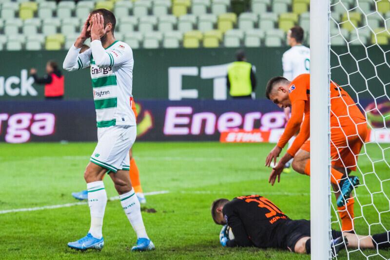 Flavio Paixao dziwi się, że po wielkim zamieszaniu w polu karnym Zagłębia nie padł gol