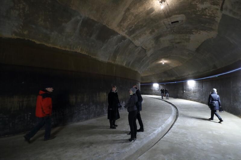 Zbiornik Stary Sobieski zbudowany na planie koła, o żelbetowej konstrukcji. To, co przede wszystkim zwraca uwagę, to niesamowite echo, które niesie się w jednej z komór