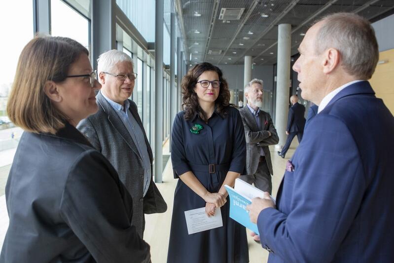 """""""Solidarni w rozwoju: Gdańsk - Polska - Europa - Świat"""" - to zarówno tytuł książki poświęconej śp. Pawłowi Adamowiczowi, jak i nazwa kongresu, który odbędzie się w Gdańsku, w maju 2020 roku"""