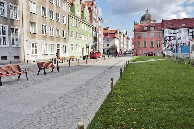 Trawnik przy ul. Św. Ducha (jak) nowy