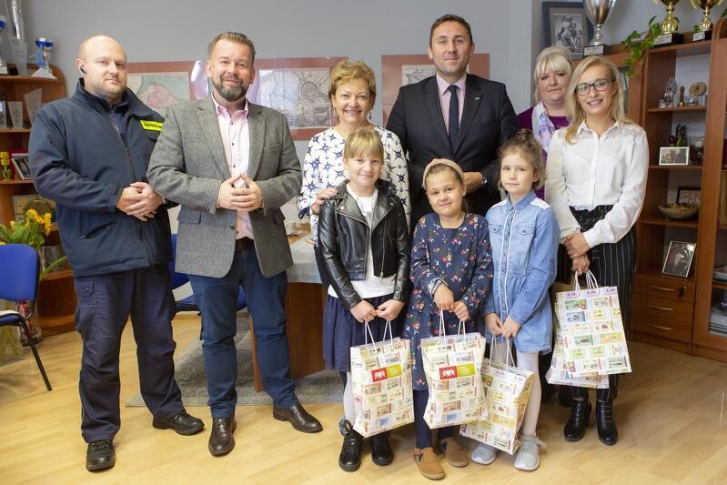 Szkoła Podstawowa nr 85 na gdańskim Jasieniu wygrała butelkowy czelendż