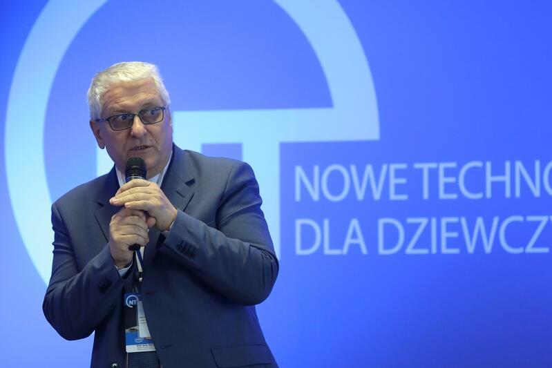 Prof. Jerzy Wtorek dziekan Wydziału Elektroniki, Informatyki i Telekomunikacji Politechniki Gdańskiej