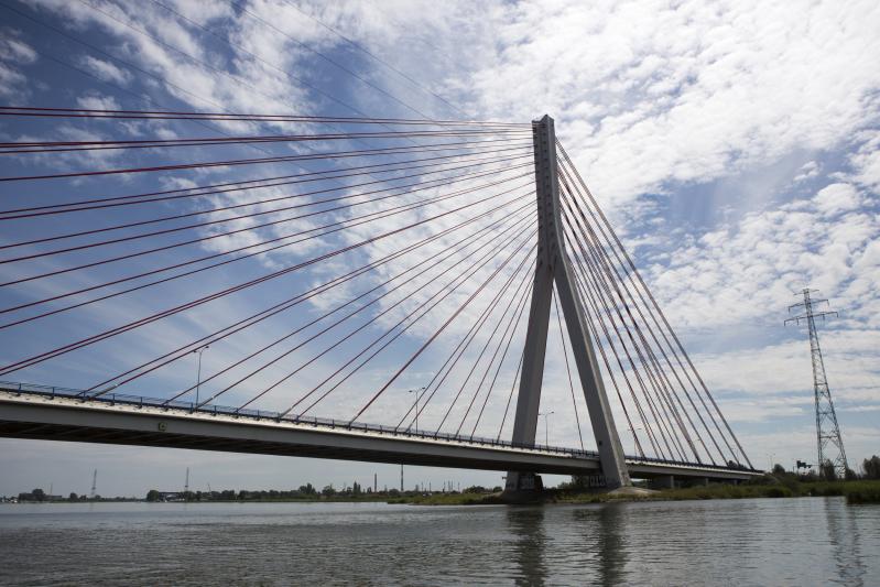Trudno uwierzyć, ale most wantowy im. Jana Pawła II służy Gdańskowi już od osiemnastu lat. Co jakiś czas trzeba go poddawać przeglądowi i pracom serwisowym