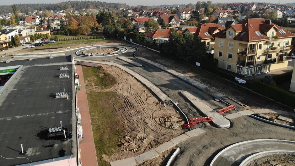 Na ulicach Koziorożca i Zeusa trwa budowa instalacji wodociągowej, kanalizacji deszczowej oraz instalacji gazowej