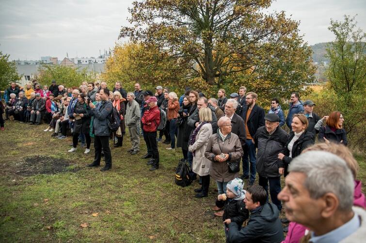 W uroczystym otwarciu nowego gdańskiego miejsca widokowego wzięło udział kilkudziesięciu mieszkańców