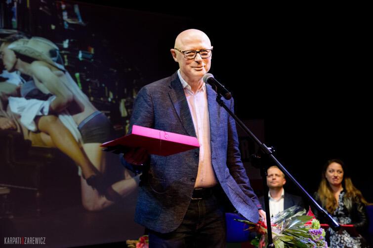 """Adam Orzechowski został laureatem Nagrody Specjalnej miesięcznika """"Teatr"""""""