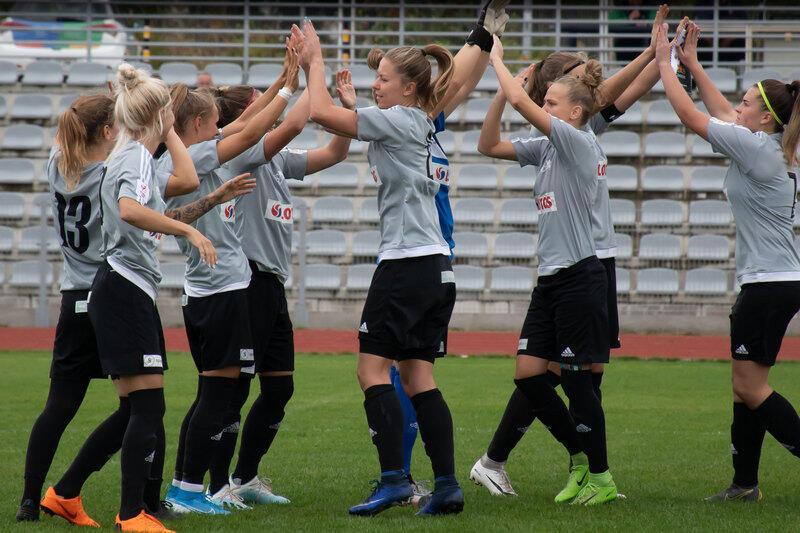 Piłkarki Akademii Piłkarskiej LG Gdańsk po ośmiu ligowych kolejkach są wiceliderem tabeli pierwszej ligi