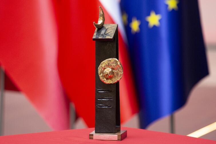 Rzeźba Joana Miro, która towarzyszy Nagrodzie Księżnej Asturii i od piątku jest własnością Miasta Gdańska