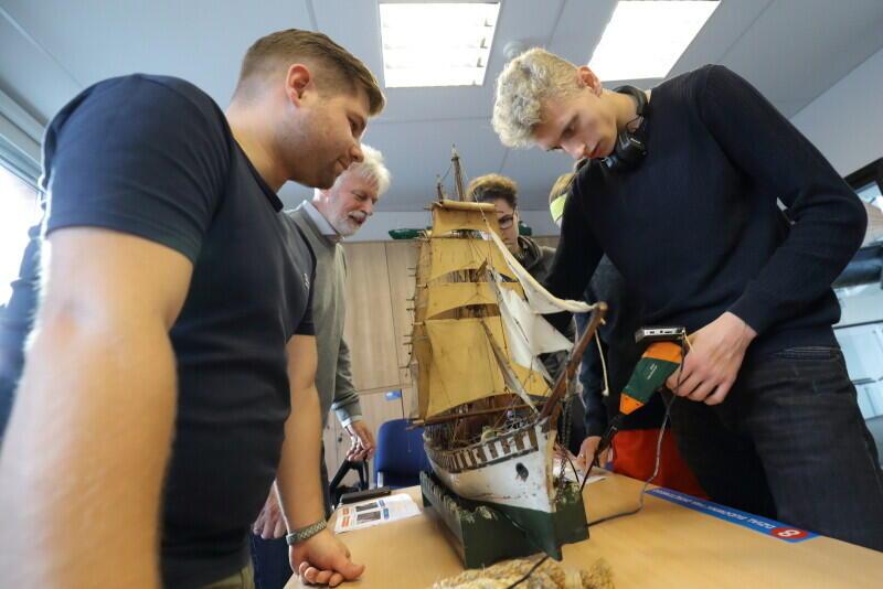 Dział budowy okrętów, a w zasadzie - modeli okrętów