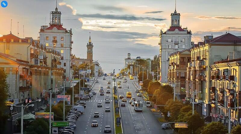 Widok na Zaporoże - większość atrakcji rozmieszczona jest wzdłuż głównej magistrali