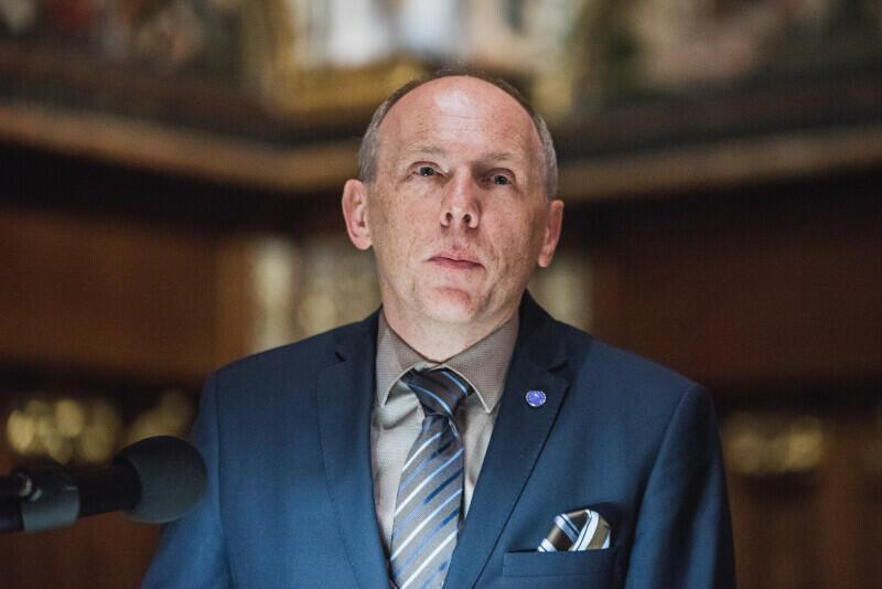 Prof. Cezary Obracht-Prondzyński podczas laudacji Medalu św. Wojciecha dla Europejskiego Centrum Solidarności
