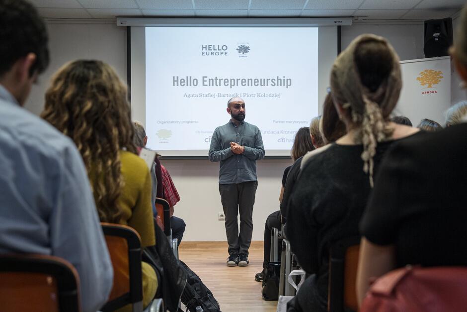 Rusza projekt hello Entrepreneuship , który zakłada wsparcie dziesięciu najlepszych inicjatyw zgłoszonych przez migrantów.