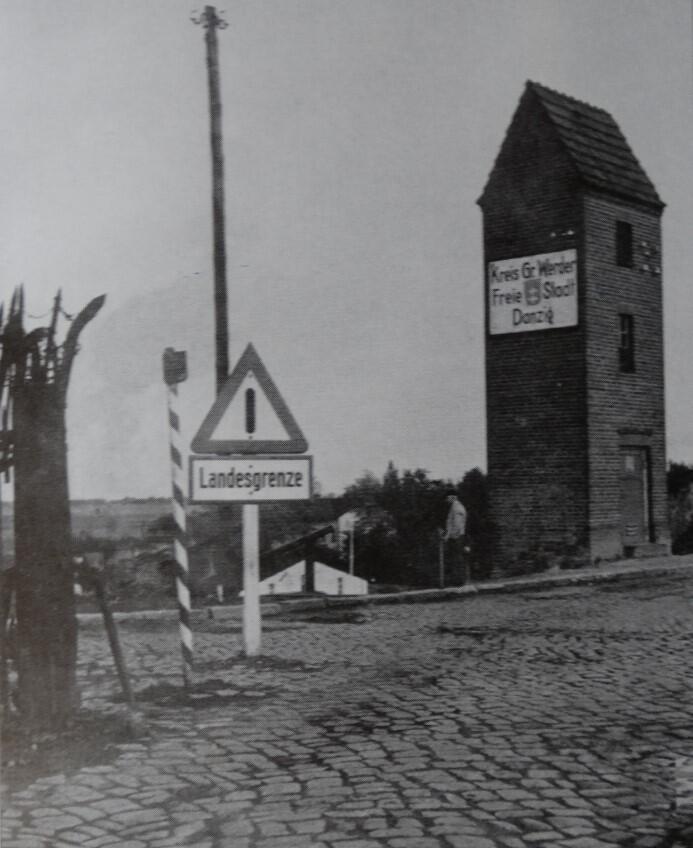 Brukowane drogi prowadzą z polskiego miasta Tczewa do Gdańska