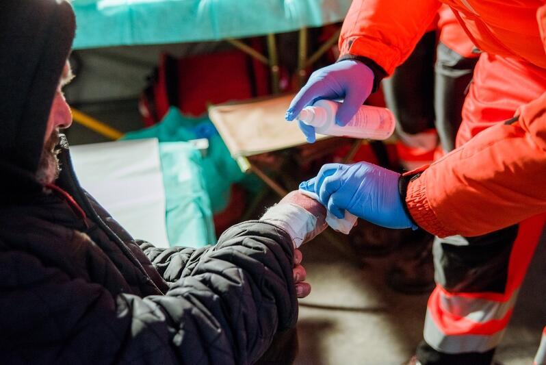 Z pomocy medycznej w centrum Gdańska mogły skorzystać osoby bezdomne