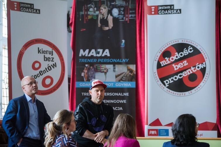 """Jednodniowa konferencja warsztatowa w ramach kampanii Gdańska """"Młodość bez procentów"""" w III LO"""