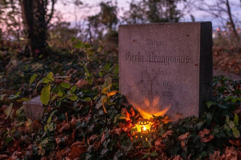 Od kilku lat w ten sposób kultywowana jest pamięć o ludziach pochowanych w tym miejscu