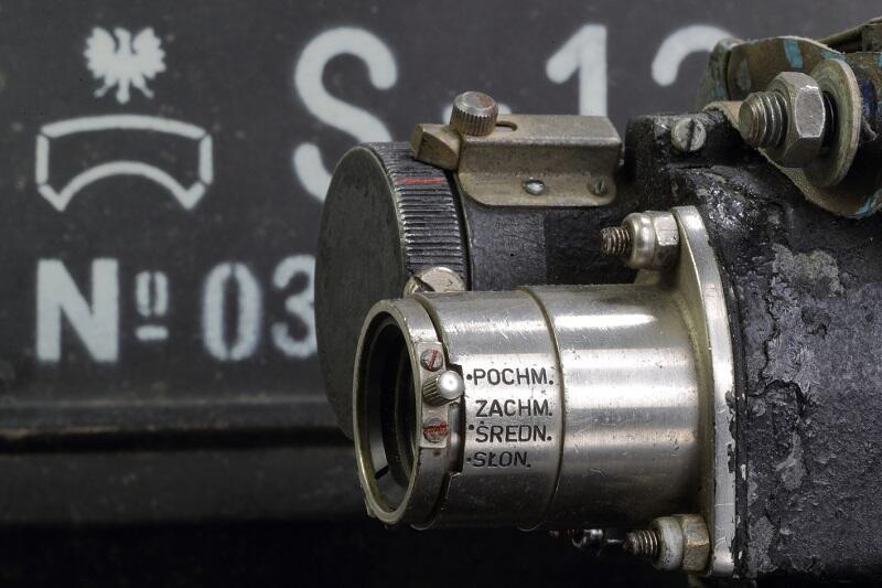 Aparat S -13, czyli fotokarabin z Warszawskich Zakładów Foto-Optycznych do treningów strzelniczych dla pilotów
