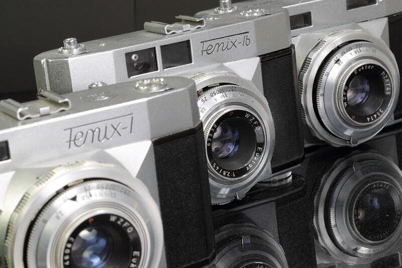 Fenix - jeden z najbardziej skomplikowanych technicznie powojennych aparatów w naszym kraju (produkowany w latach 1958-1966), egzemplarze z kolekcji Grzegorza Mehringa