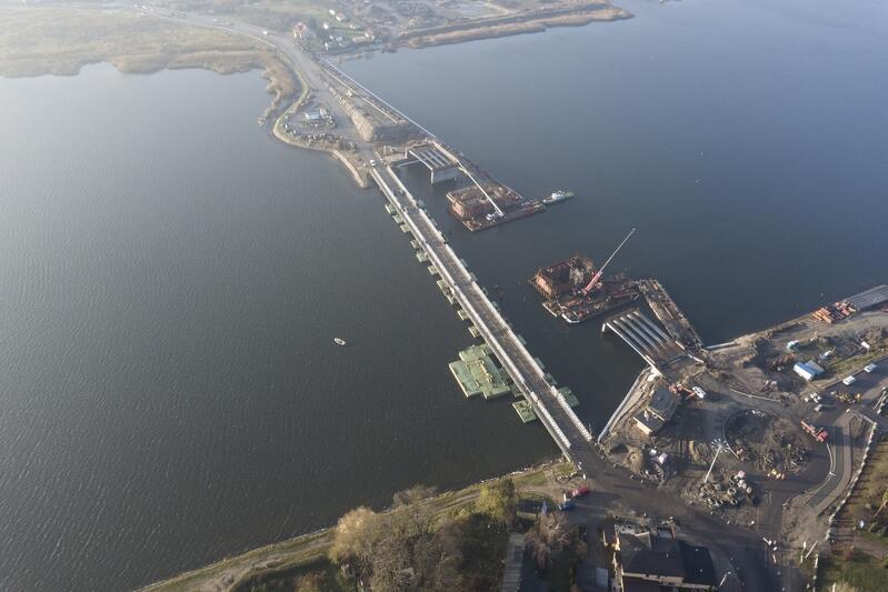Listopad 2017. Budowa mostu w Sobieszewie