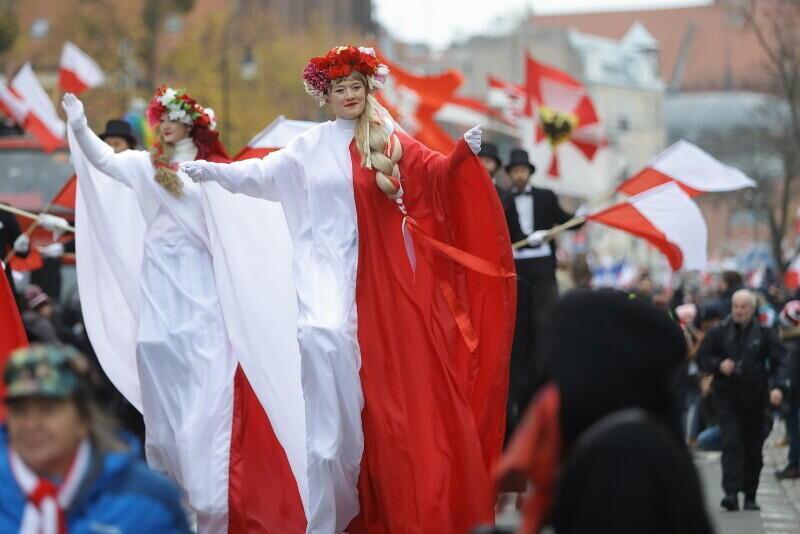 Biel i czerwień dominują, jak każdego roku 11 listopada, na ulicach Gdańska