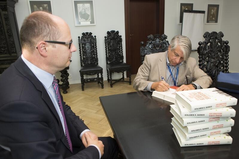Spotkanie prezydenta Gdańska Pawła Adamowicza z Benjaminem R. Barberem, które odbyło się 2 października 2014 roku