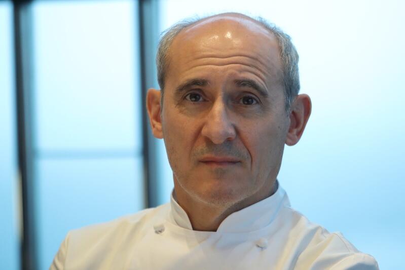 Paco Perez to światowej klasy szef kuchni. Ma na swoim koncie 5 gwiazdek Michelin